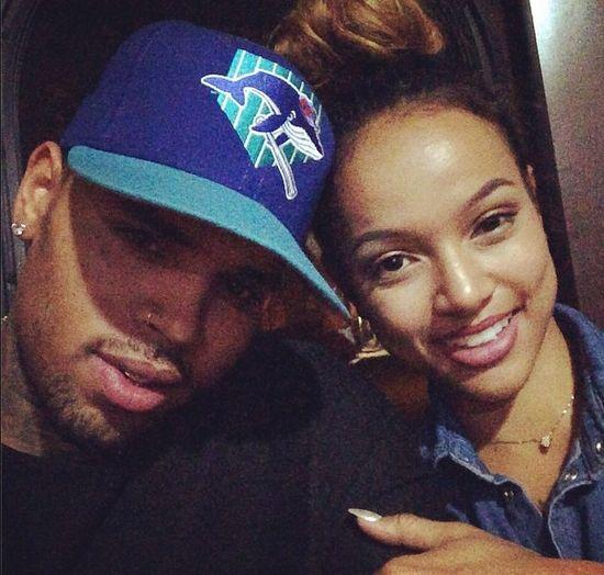 Chris Brown chwali się pokaźnym penisem (FOTO)