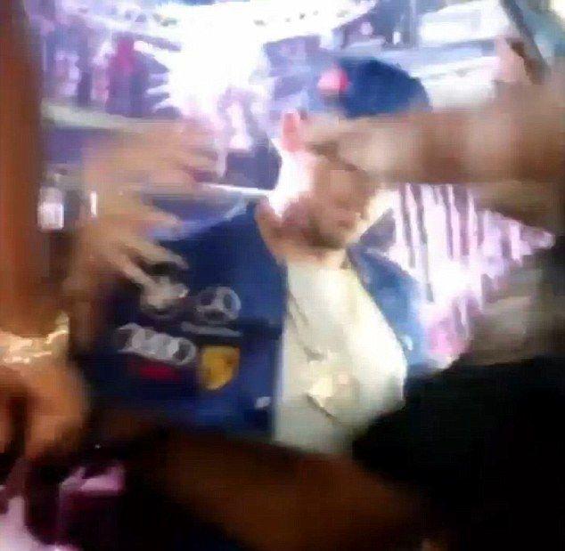 Chris Brown uderzył kobietę w klubie! (VIDEO)
