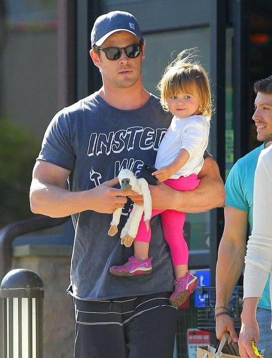 Pierwsze zdjęcie bliźniaków Hemsworth (FOTO)