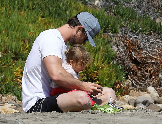 Chris Hemsworth - tatuś idealny? (FOTO)