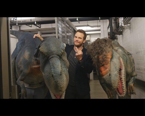 Dinozaur Ward�gi zaatakowa� aktora Jurrasic Park [VIDEO]