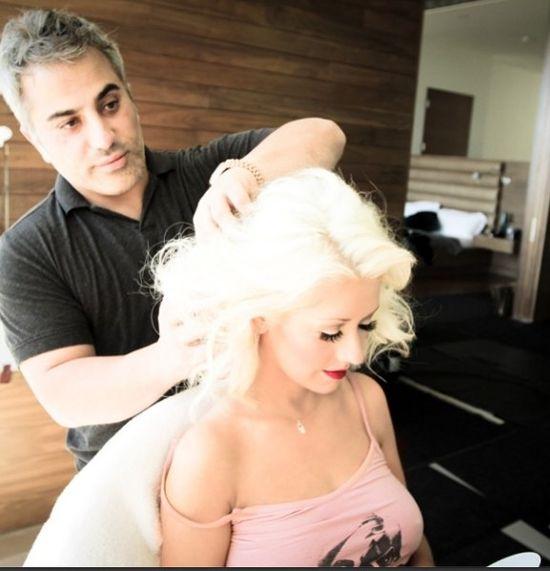 Christina Aguilera urodziła na torcie (FOTO)