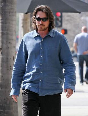 Czy Christian Bale trochę statusiał? (FOTO)