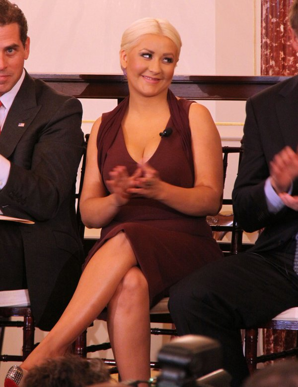 Aguilera pokaza�a ok�adk� albumu LOTUS (FOTO)
