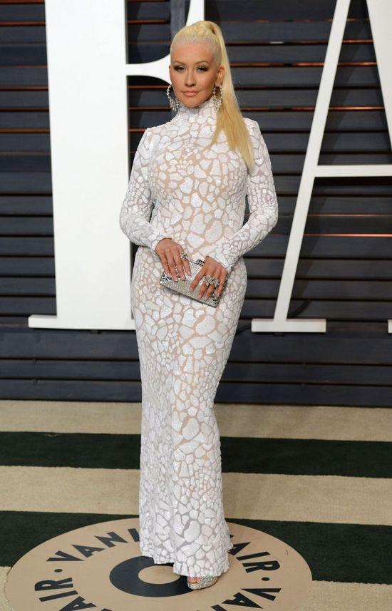 Metamorfoza roku - Aguilera jest blondynką!