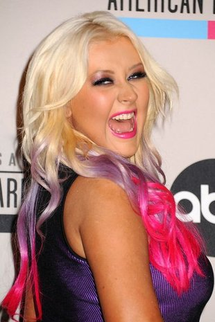 Christina Aguilera ma FAJNĄ PUPĘ, ale nie ma talii (FOTO)