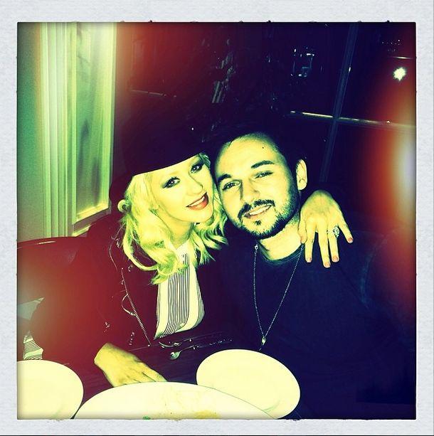 Christina Aguilera chwali się ciążowym brzuszkiem (FOTO)