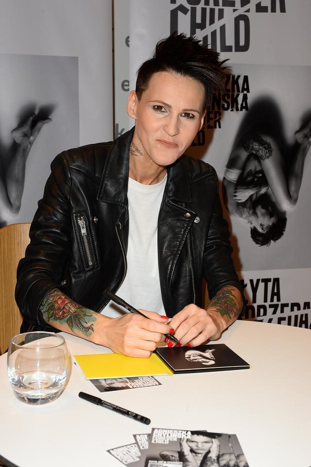 Agnieszka Chylińska wróciła do czarnych włosów (FOTO)