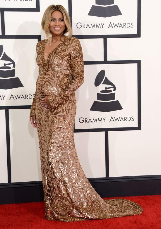 Ciara na Grammy 2014 wyeksponowała brzuszek i... (FOTO)