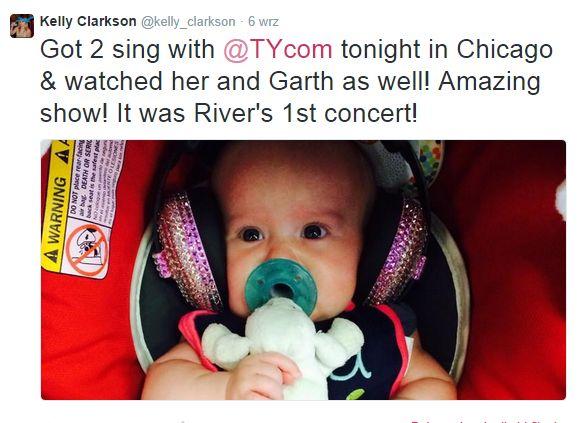 Kelly Clarkson zabra�a 3-miesi�czn� c�rk� na koncert (FOTO)