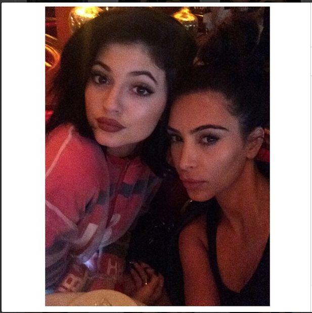 Jak zmieniała się twarz Kylie Jenner? (FOTO)