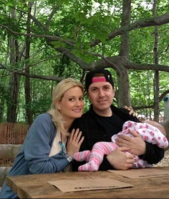 Holly Madison pokazuje buzi� c�reczki (FOTO)