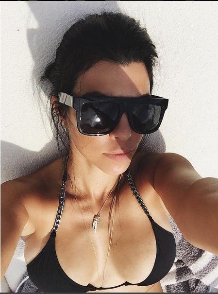Kourtney Kardashian udowadnia, że jest gorąca (Instagram)
