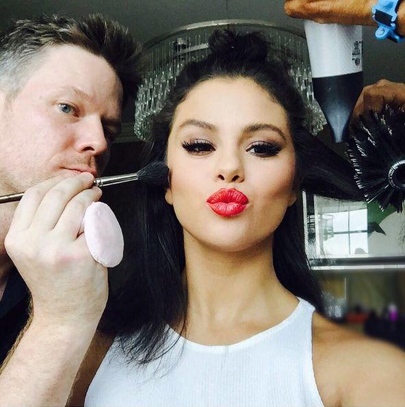 Selena Gomez pokaza�a selfie w samej bieli�nie (Insta)