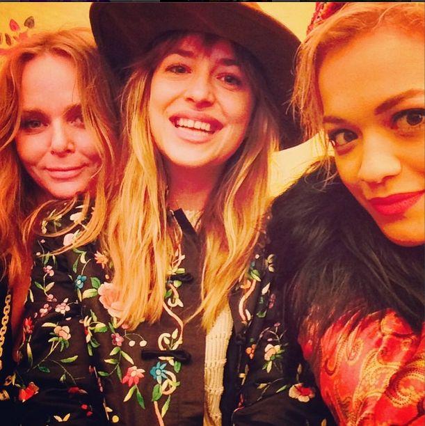 Rita Ora i Dakota Johnson - wielkie przyjaciółki? (FOTO)