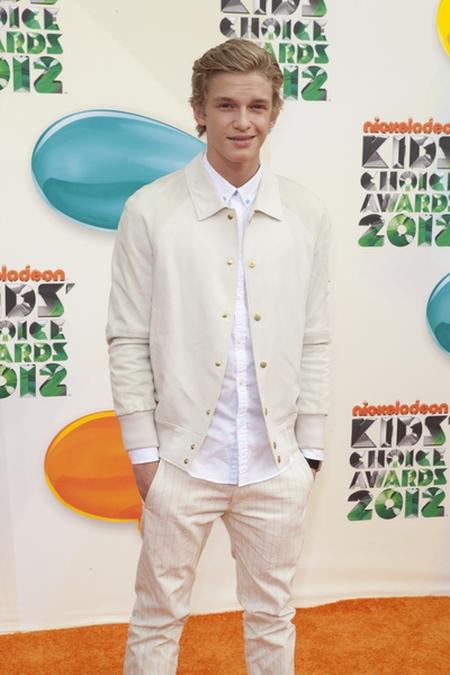 Cody Simpson Czerwony dywan Nickelodeon's Kids' Choice Awards (FOTO)