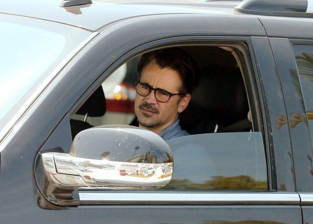 Colin Farrell całuje się z dziewczyną w samochodzie (FOTO)