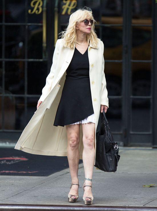 Courtney Love roztrwoni�a 27 milion�w dolar�w Nirvany!