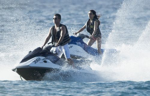 Simon Cowell szala� na skuterach wodnych