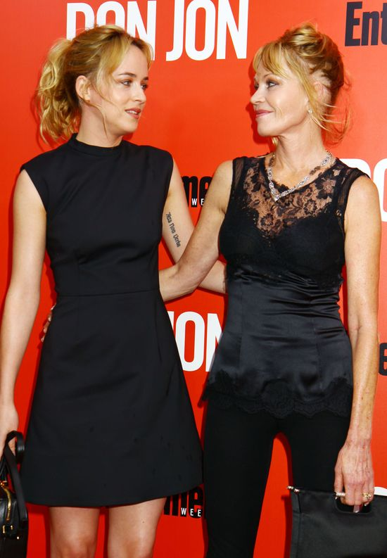 Dakota Johnson z mamą, Melanie Griffith na czerwonym dywanie