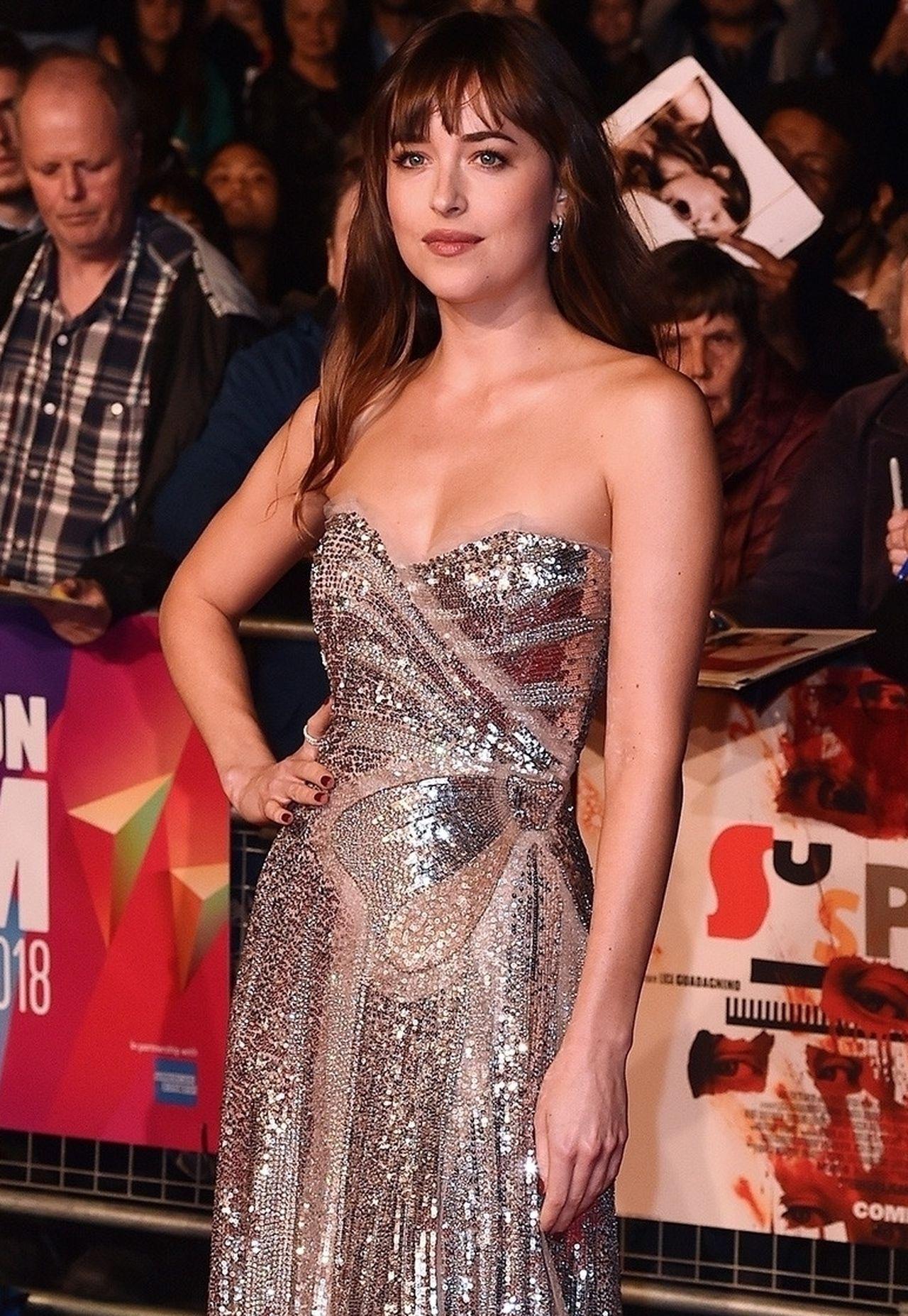 Dakota Johnson pokazała nieogolone pachy na czerwonym dywanie (ZDJECIA)