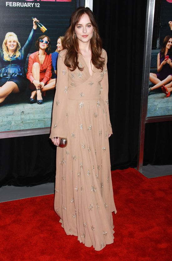 Dakota Johnson promuje film Jak to robią single? (FOTO)