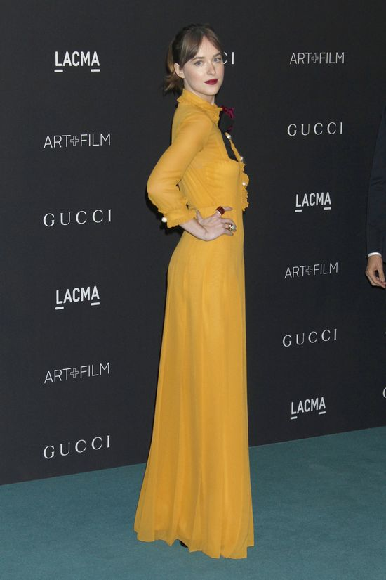 Dakota Johnson na... okładce Vogue'a! (FOTO)