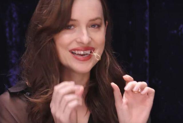 Dakota Johnson ma dystans do siebie jak żadana inna gwiazda!