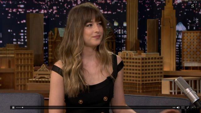 Dakota Johnson mówi o swoim spojrzeniu na Jolie podczas wystąpienia Aniston