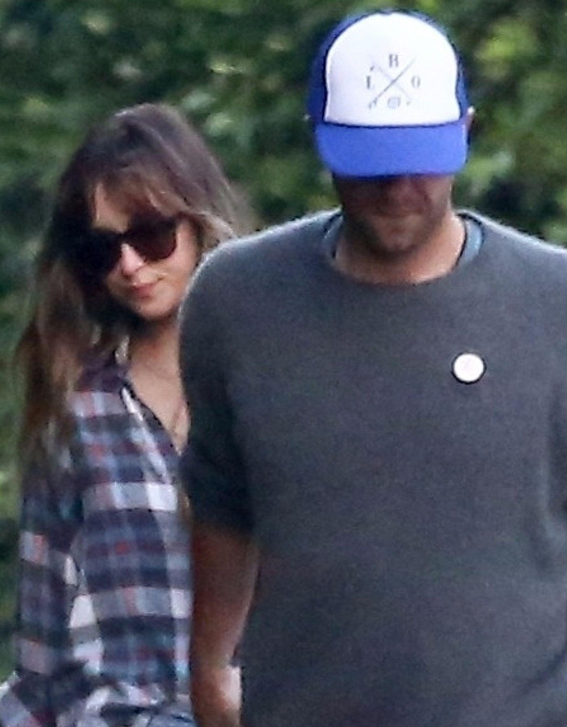 Tak Dakota Johnson i Chris Martin spędzają weekend (ZDJĘCIA)