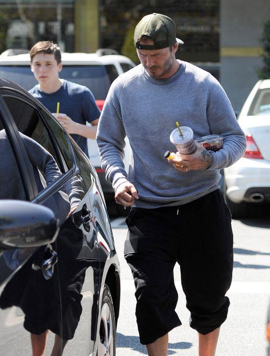 Męskie popołudnie Davida i Brooklyna Beckhamów (FOTO)
