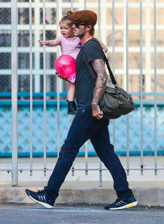 Harper Beckham - kot w butach? (FOTO)