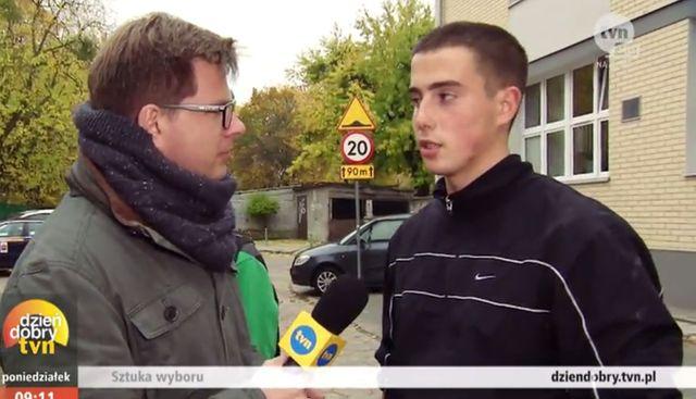 HIT! Ten młodzieniec głosował wczoraj na Wisławę Szymborską!