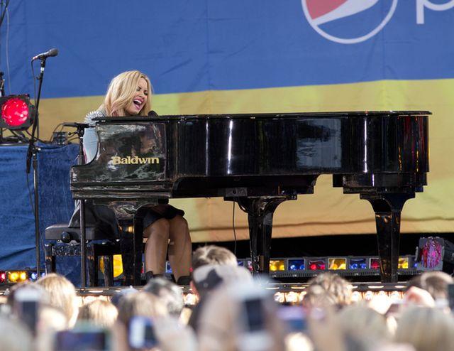 Demi Lovato szaleje na scenie (FOTO)