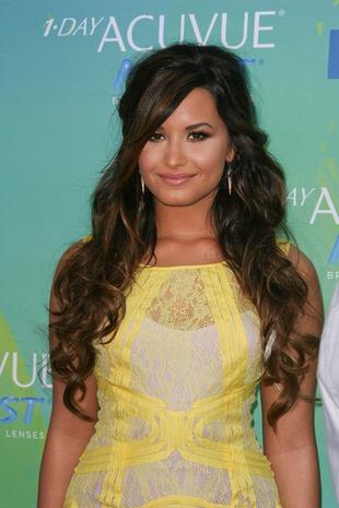 Lovato: Nie mogę powiedzieć, że po leczeniu się nie cięłam