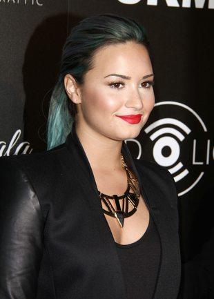 Demi Lovato wzięła przykład z Miley Cyrus?
