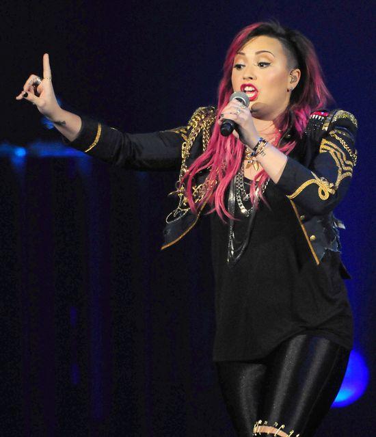 Demi Lovato coraz okr�glejsza? (FOTO)