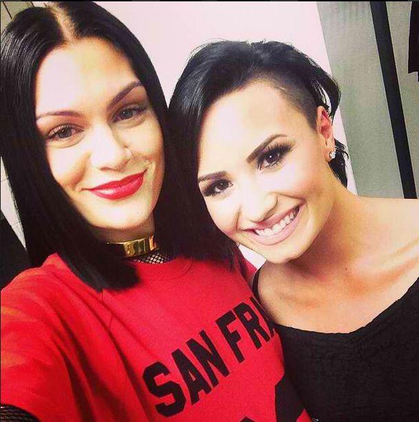 Demi Lovato bez makijażu i bez stanika (FOTO)