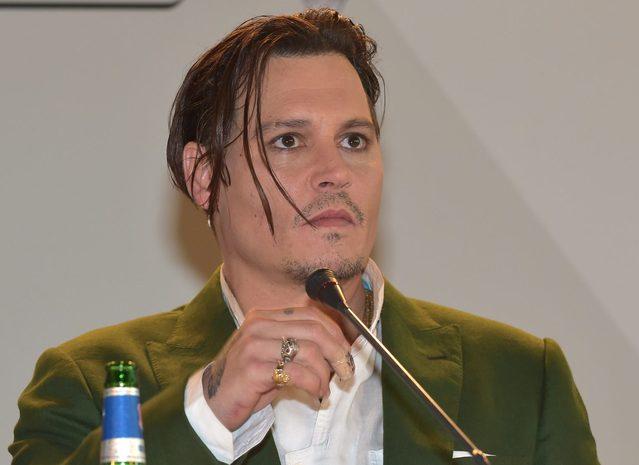 To zdjęcie tylko podsyciło plotki o kłopotach Johnny'ego Dep