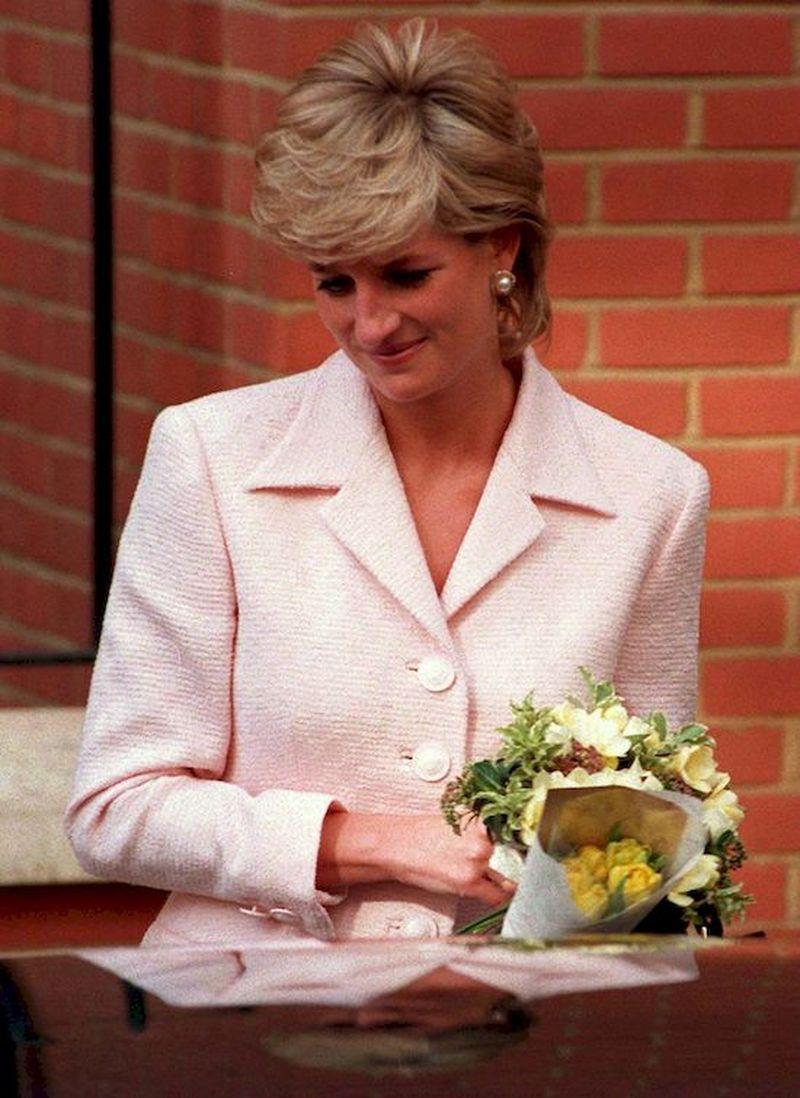 Diana przygotowała dla Karola prezent na święta - jego reakcja była OKRUTNA