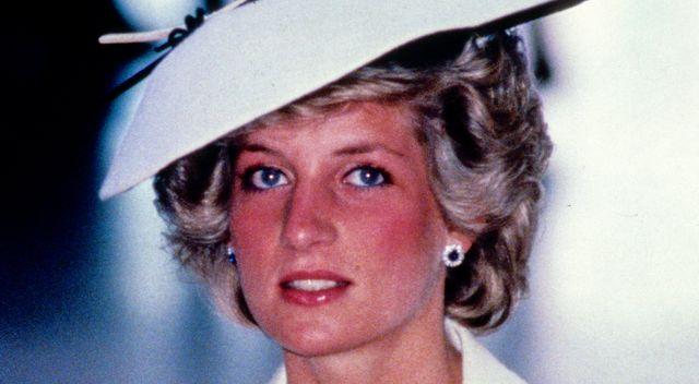 Dlaczego Księżna Diana nosiła dwa zegarki na jednej ręce?