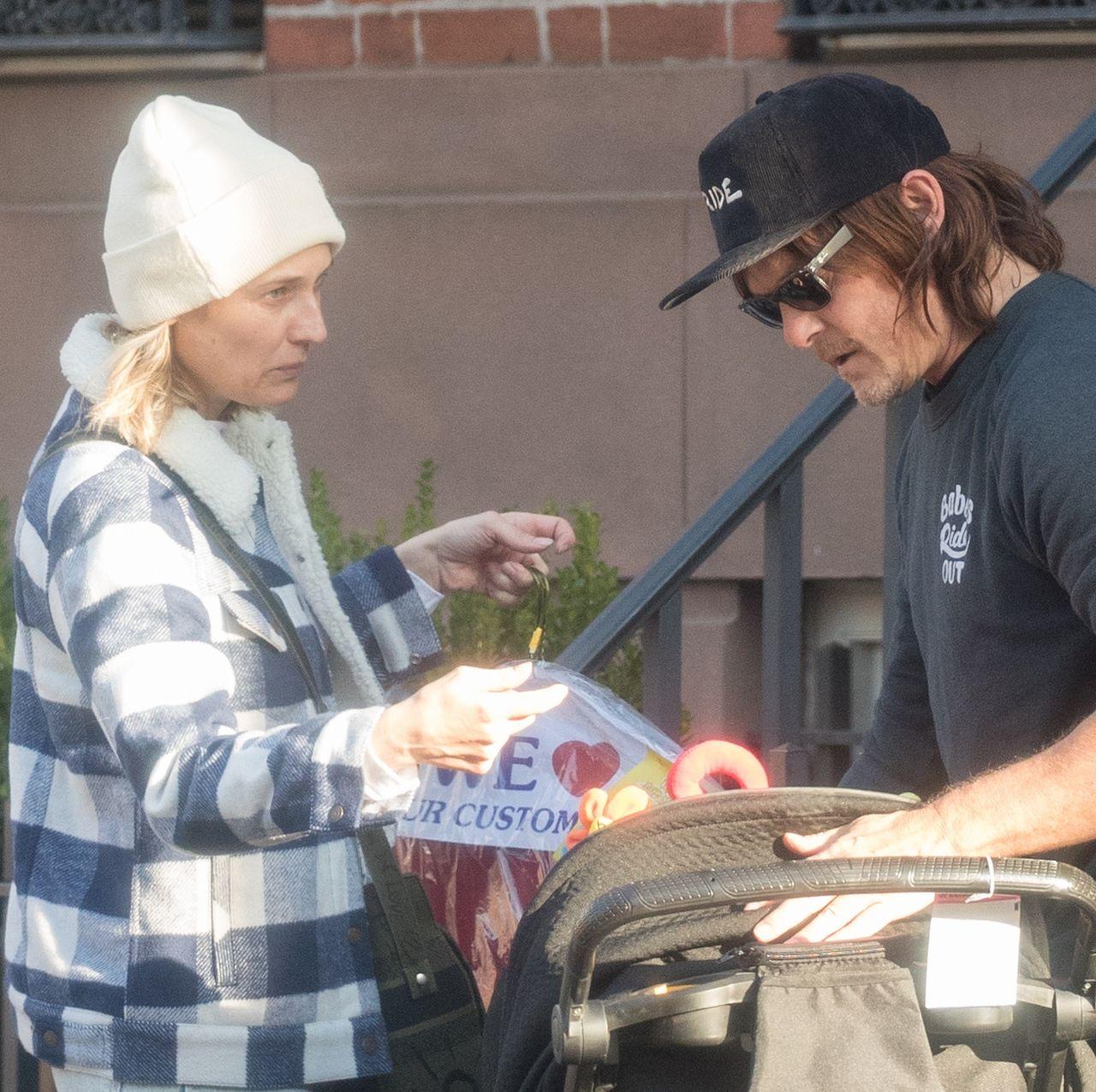 Diane Kruger (42 l.) dźwiga wózek - partner zajął się maluchem (ZDJĘCIA)