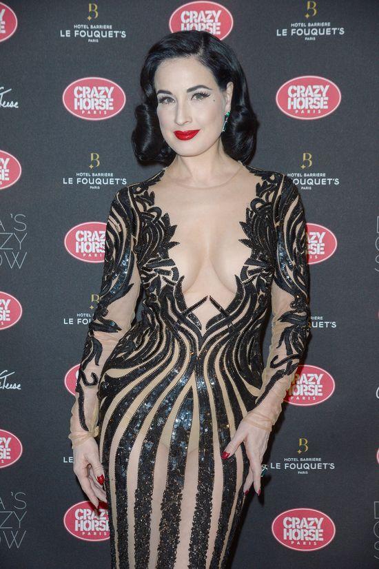 Nie uwierzysz, kogo zaprosiła do siebie Khloe Kardashian