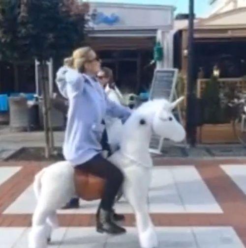Doda robi coś dziwnego [VIDEO]