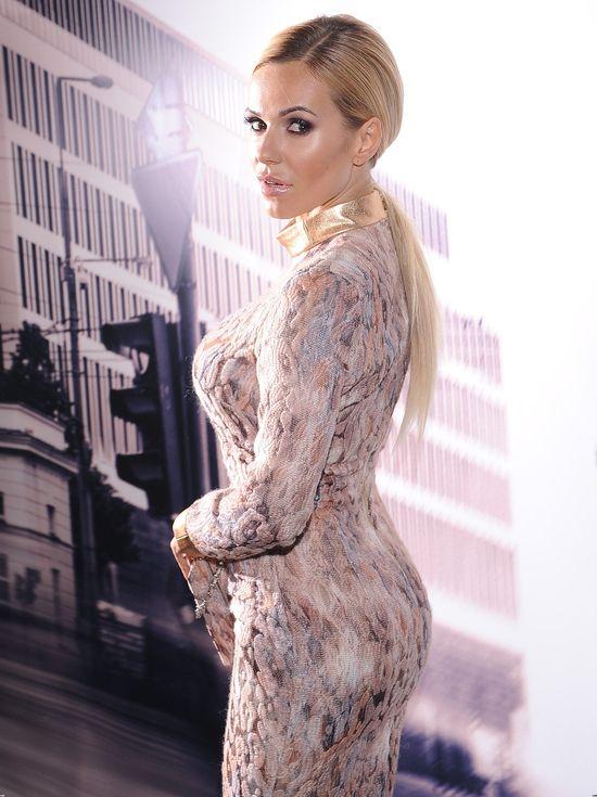 Blondynki w niemal identycznych sukienkach (FOTO)