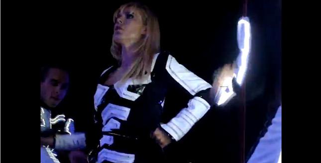 Wściekła Doda na koncercie (VIDEO)