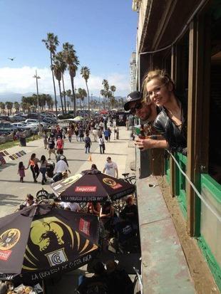 Doda pozdrawia z Kalifornii (FOTO)
