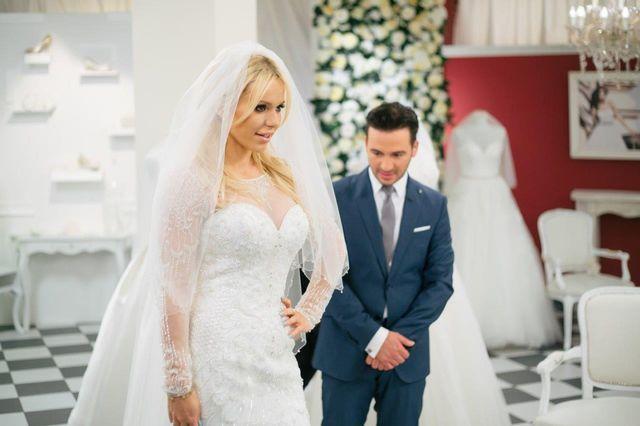 Mamy zdjęcia z przymiarek sukni ślubnej Dody (FOTO)