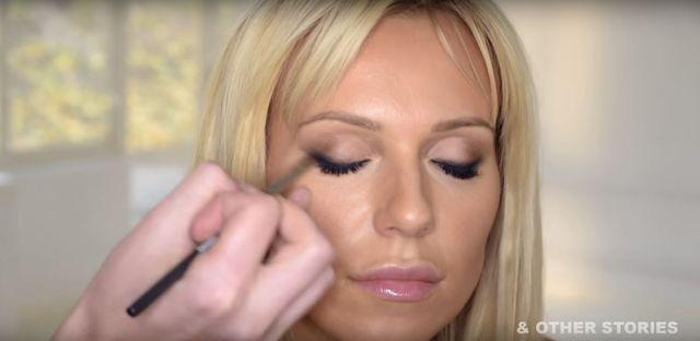 Jest tutorial z makijażami Dody (VIDEO)