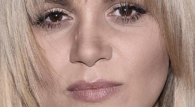 Dominika Gawęda w nowej fryzurze po raz pierwszy na salonach (ZDJĘCIA)